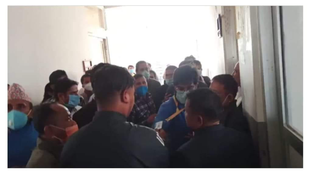 TELEVISION REPORTERS ATTACKED FOR REPORTING ON BRIBE TAKING AT PUBLIC OFFICE