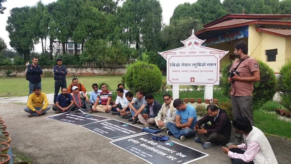 Sacked journalists intensify protest demanding restoration of job